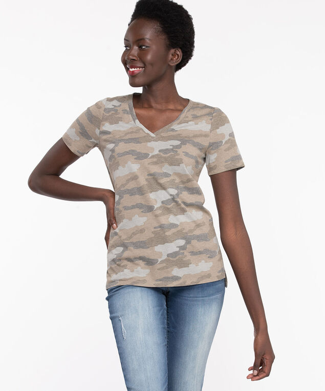 Step Hem V-Neck Camo Tee, Four Leaf Clover