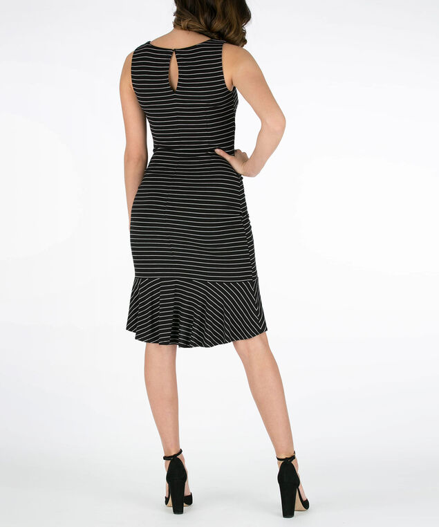 d079798911d9 Side-Ruched Scoop Neck Dress